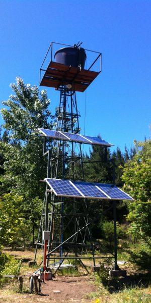 Sistema de bombeo solar Ecoescuela El Manzano.