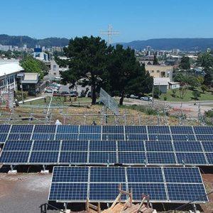 Sistema fotovoltaico UCSC.